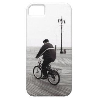 Bicyclist en Coney Island Funda Para iPhone SE/5/5s