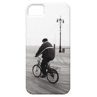 Bicyclist in Coney Island iPhone SE/5/5s Case