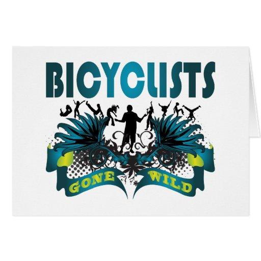 Bicyclists idos salvajes tarjeta de felicitación