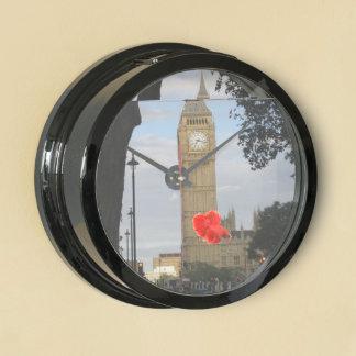 Big Ben a través del árbol Reloj Aquavista