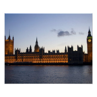 Big Ben and the Houses of Parliament in the city Print