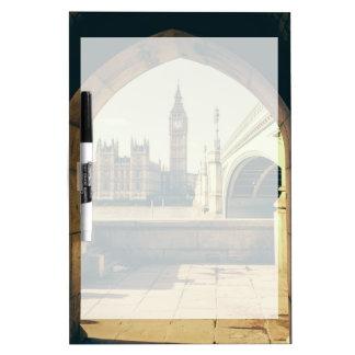 Big Ben debajo del arco, Londres Reino Unido Tableros Blancos