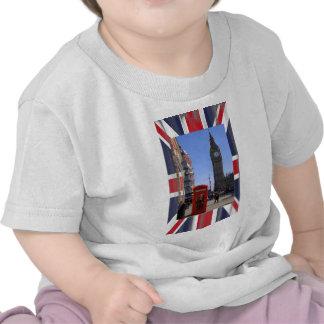 Big Ben y cabina de teléfonos roja en Londres Camisetas