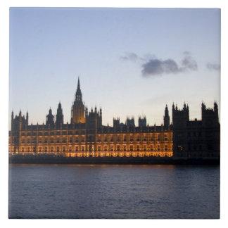 Big Ben y las casas del parlamento en la ciudad Azulejo Cuadrado Grande