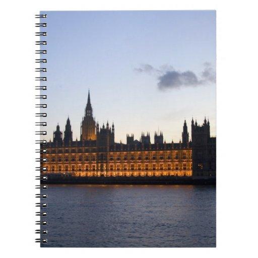 Big Ben y las casas del parlamento en la ciudad Libro De Apuntes Con Espiral