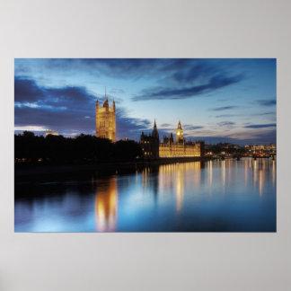 Big Ben y palacio de Westminster en la noche Póster