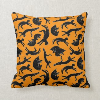 Big Black Cat Nap Throw Pillow (Pumpkin)