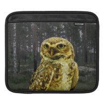 Big Eyed Owl in the Woods iPad Sleeve