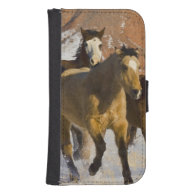 Big Horn Mountains, Horses running in the snow 3 Galaxy S4 Wallet Case