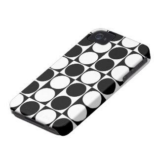 Big Mod Dots Black & White Case-Mate ID™ iPhone 4