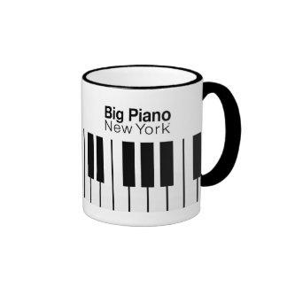 Big Piano Icon of New York Ringer Mug