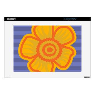 """Big Yellow Flower 15"""" Laptop Skin"""