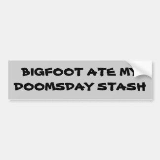 Bigfoot comió mi escondite del día del juicio pegatina para auto