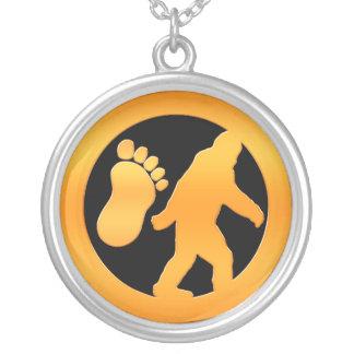 Bigfoot de oro colgante redondo