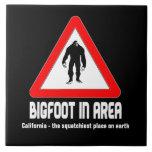 Bigfoot en señal de peligro del área tejas