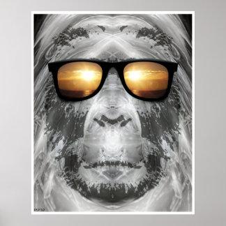 Bigfoot en sombras póster