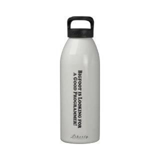 Bigfoot está buscando un buen programador - básico botella de agua