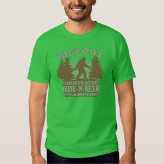 BIGFOOT Funny Saying (vintage distressed design) T-shirt