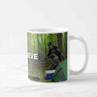 Bigfoot I cree Taza Básica Blanca