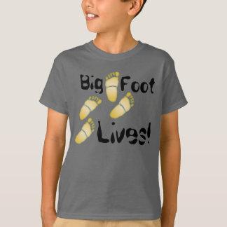 Bigfoot Lives! - T-Shirt - 1
