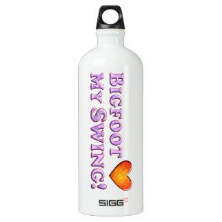 Bigfoot Loves My Swing - Basic SIGG Traveler 1.0L Water Bottle