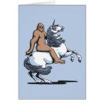 Bigfoot que monta un unicornio tarjeta de felicitación