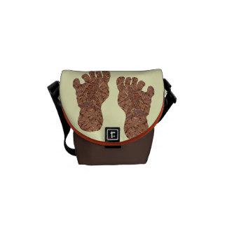 Bigfoot Sasquatch Yeti Geek Fun Courier Bag