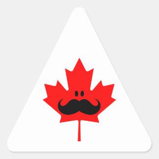 Bigote de Canadá - un bigote en arce rojo Pegatina Triangular