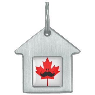 Bigote de Canadá - un bigote en arce rojo Placa De Mascota