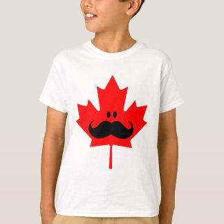 Bigote de Canadá - un bigote en arce rojo Remera