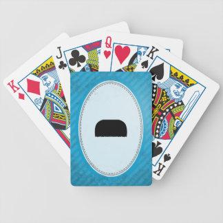 Bigote del cepillo de dientes barajas de cartas