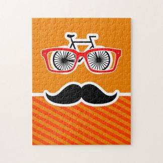 Bigote divertido con las rayas anaranjadas puzzle