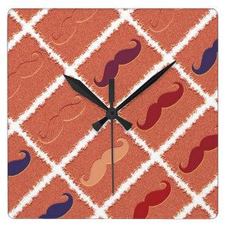 Bigote divertido de Brown Reloj Cuadrado