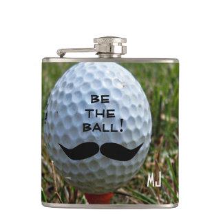 Bigote en pelota de golf