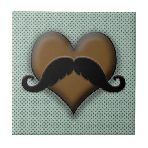 Bigote negro retro en el corazón de Brown Azulejo Cuadrado Pequeño