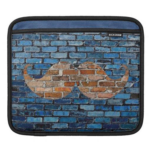 Bigote retro Stache del bigote en la pared de ladr Fundas Para iPads