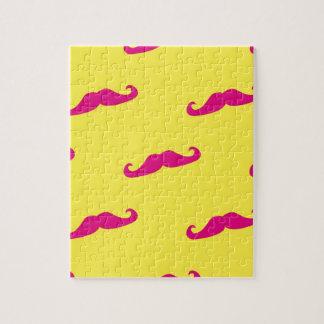 Bigote rosado y amarillo de neón puzzles