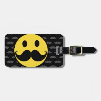 Bigote sonriente enrrollado retro del bigote etiquetas de equipaje