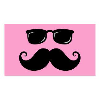Bigote y cara divertidos de las gafas de sol en tarjetas de visita