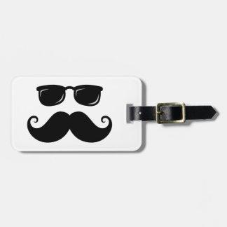 Bigote y cara divertidos de las gafas de sol etiquetas de maletas