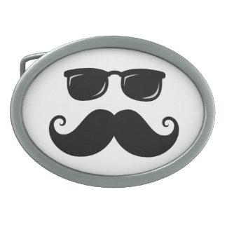 Bigote y cara divertidos de las gafas de sol hebilla de cinturón oval