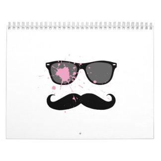 Bigote y gafas de sol divertidos calendario de pared