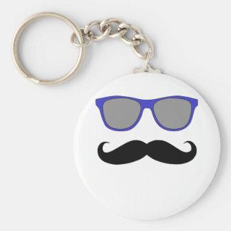 Bigote y humor azul de las gafas de sol llavero redondo tipo pin