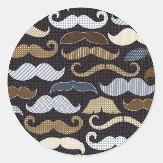 Bigotes y más bigotes pegatina redonda