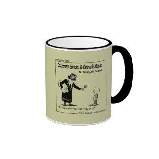 Bill con las reservas tazas de café