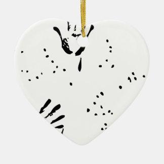 Bill de la mano negra adorno navideño de cerámica en forma de corazón