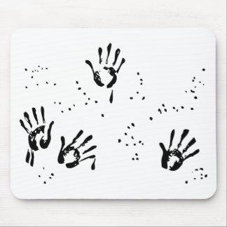 Bill de la mano negra alfombrillas de raton