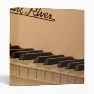 Binder Piano