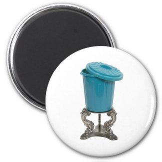 BinOnPedestal082209 Magnets