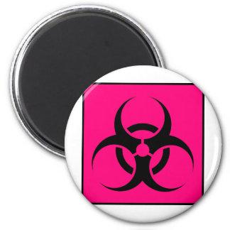 Bio peligro o rosa de cuidado del símbolo de la mu imán redondo 5 cm